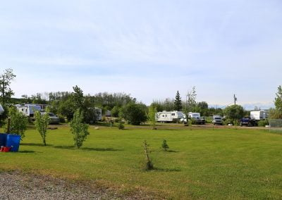 IMG_4578-charlie-lake-rv-park-alaska-highway-camp-sites